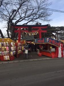 南仙台駅西口にある神社の境内の様子です。